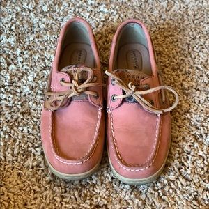 Sperry | pink with quilt boat shoe